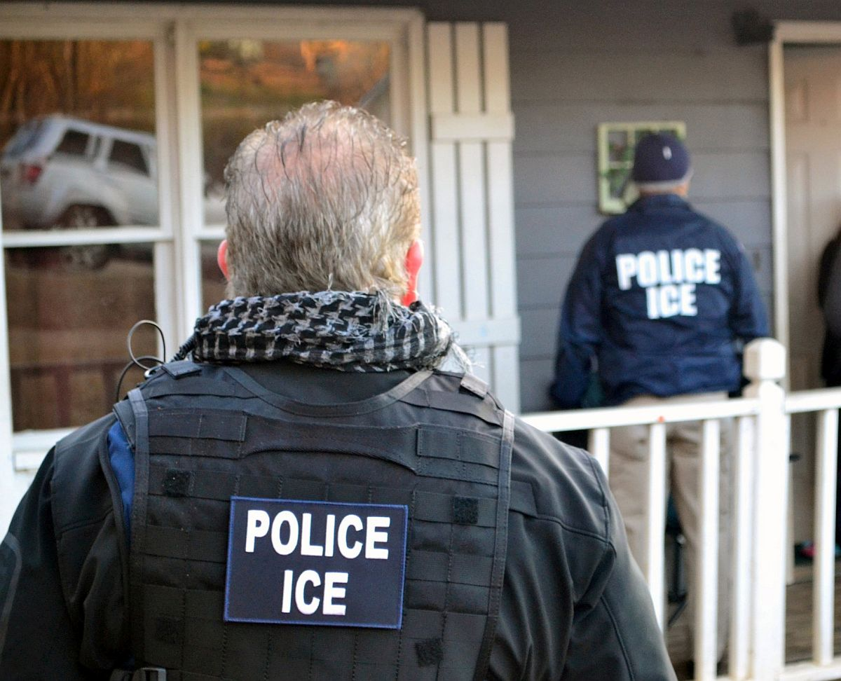Scam Artists Impersonating Immigration Agents- New York
