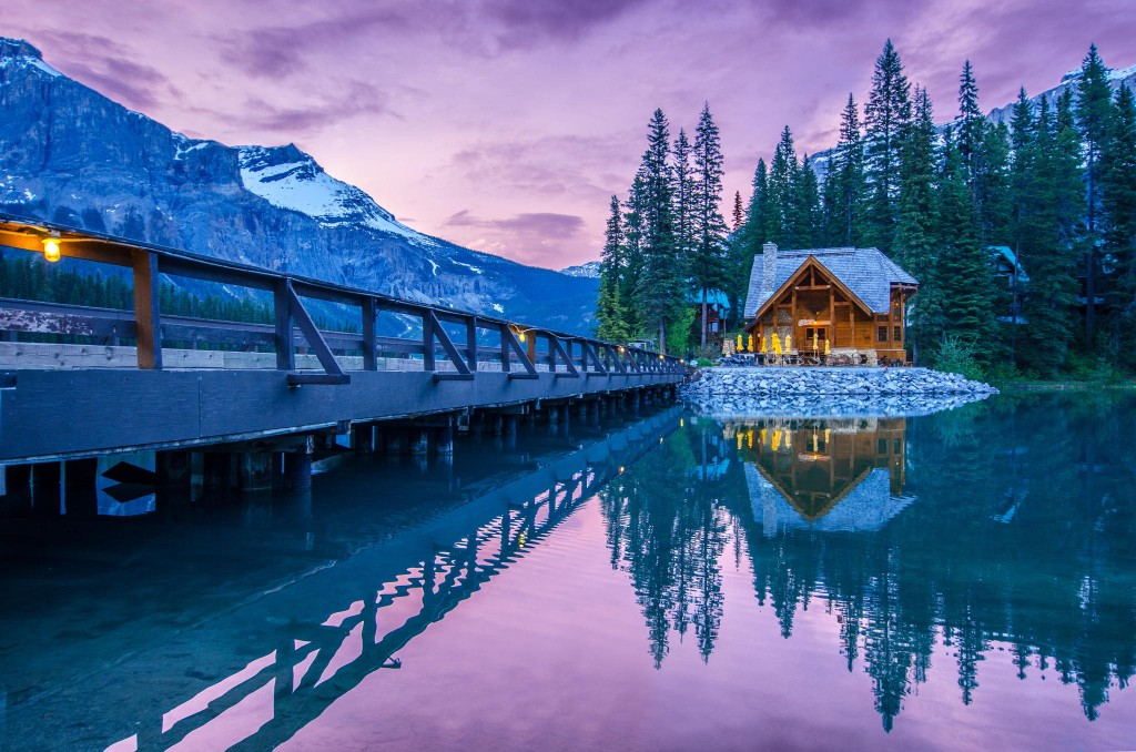 Make you dream of flying to Canada comes true with express entry system of immigration to Canada