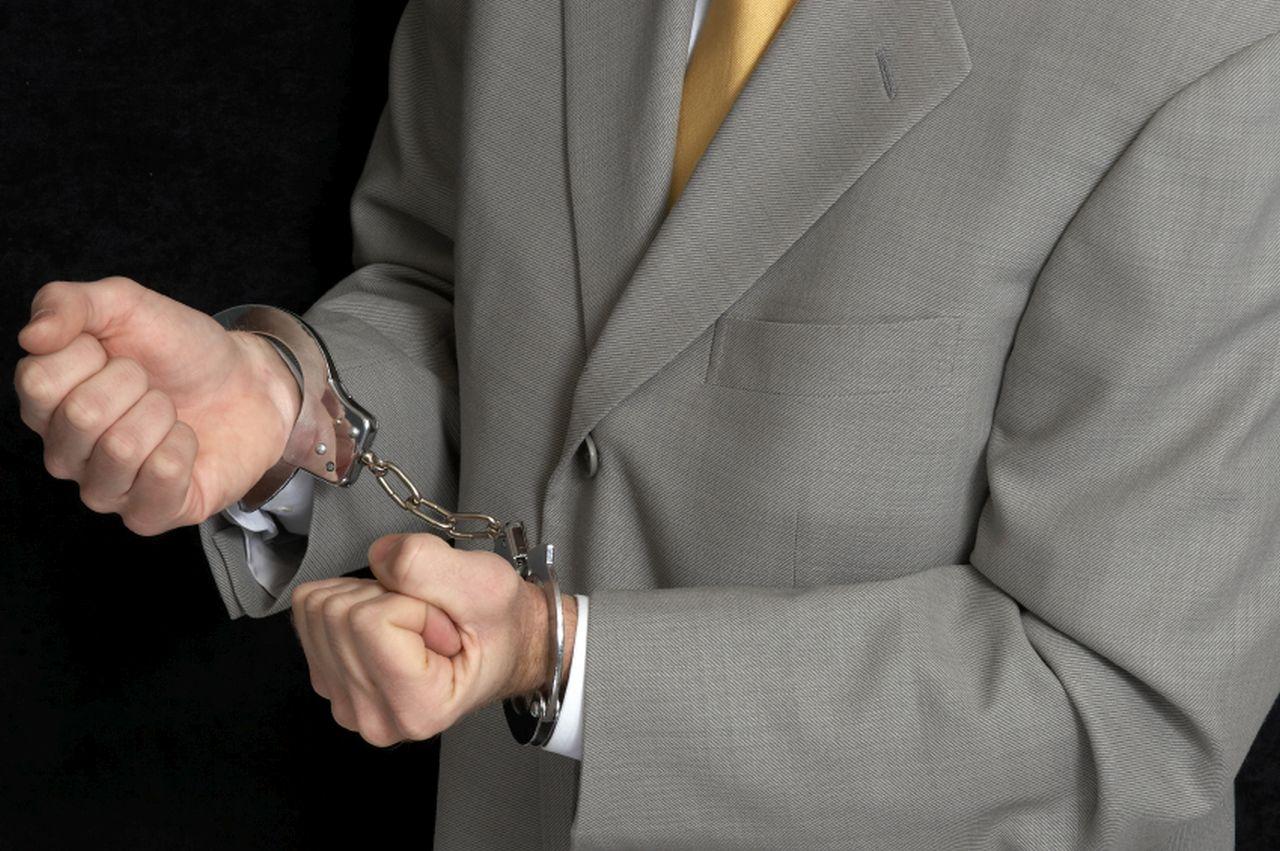 Fraudulent lawyer sentenced to prison for Visa scam