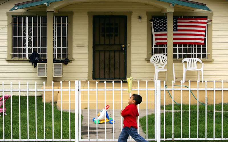 llegal Immigrants Can Buy a House in the USA
