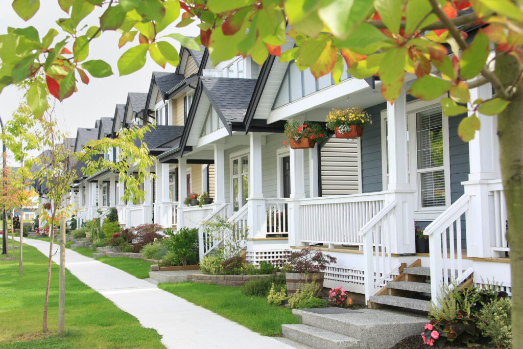 Buying a House in Canada? Understand Prices via Provinces